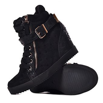 Czarne pikowane sneakersy z kryształkami