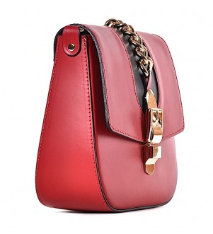 Czerwona torebka włoska listonoszka Ambra