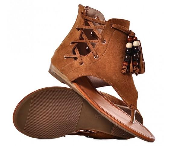 Brązowe sandały damskie zamszowe boho z chwostami