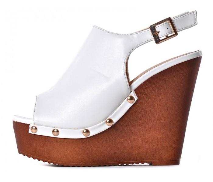 3e2da80d00ccce Białe buty damskie na koturnie na lato