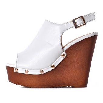 Białe buty damskie na koturnie na lato