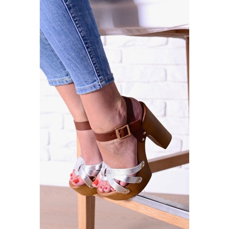 Inteligentny Sandały damskie na drewnianym obcasie srebrne AI79