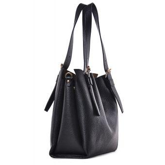 Czarna torba damska skórzana na ramię