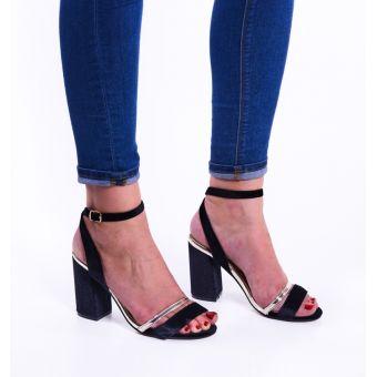 Zamszowe sandały damskie na słupku czarne
