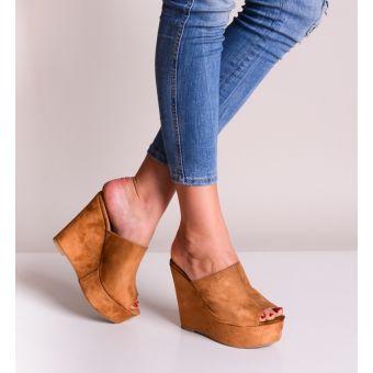 Buty damskie na koturnie zamszowe na lato