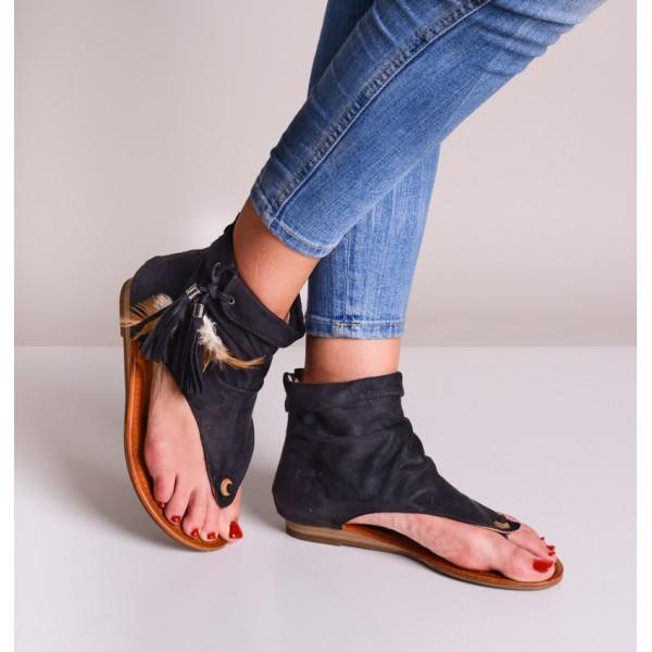 Czarne sandały damskie boho z frędzlami