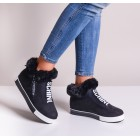 Czarne buty sportowe damskie
