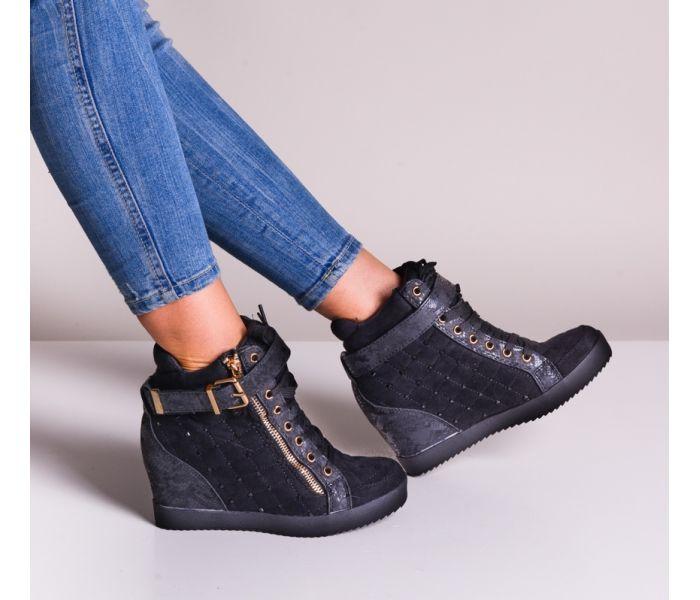 Czarne sneakersy na koturnie z kryształkami