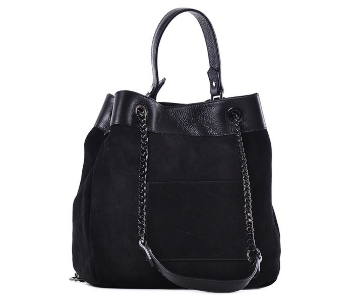 7060ed476f73a Czarna zamszowa torebka włoska na ramię