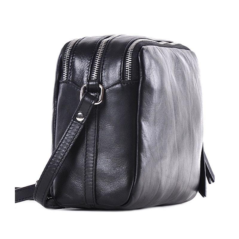 f037e493eafa1 Czarna torba listonoszka skórzana  Czarna torba listonoszka skórzana ...