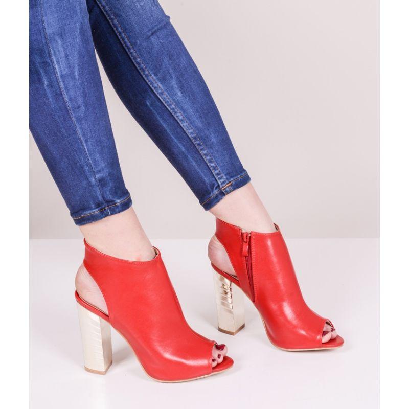 733947f056d017 Czerwone sandały damskie na złotym słupku
