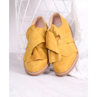 Zamszowe półbuty damskie żółte z kokardą