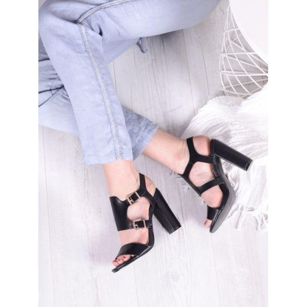 Wizytowe czarne sandały damskie na słupku