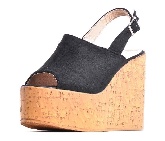 5ef27836 Czarne sandały na koturnie z korka