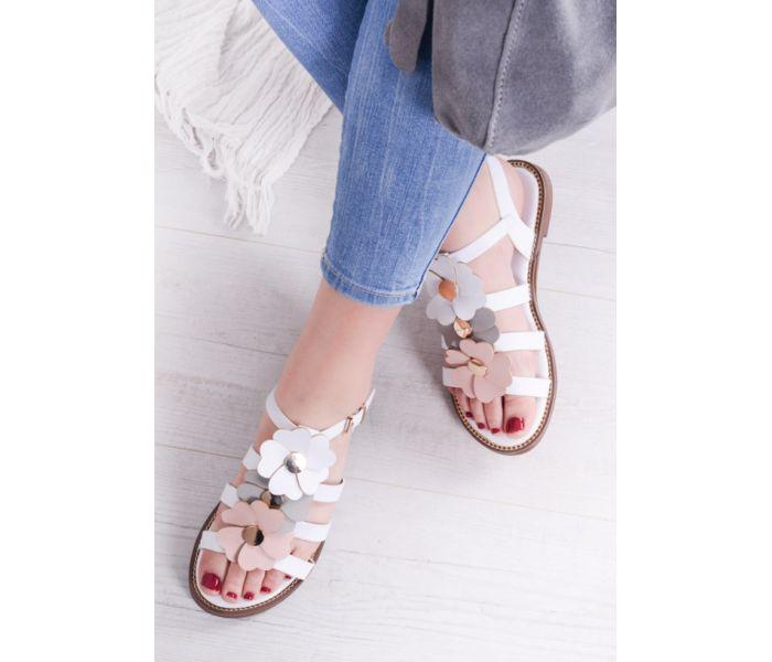 Białe sandałki damskie