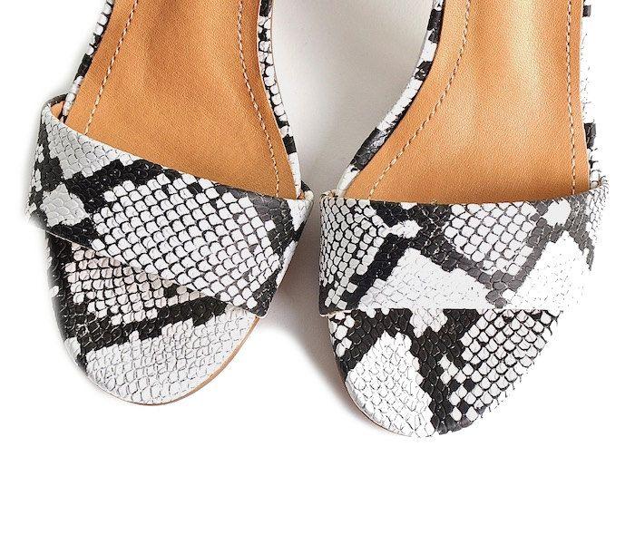 592ad01b85104 Buty damskie sandały na słupku