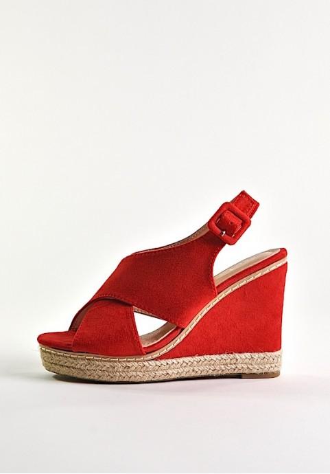Czerwone buty damskie na koturnie
