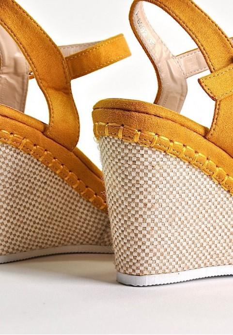 Buty damskie na koturnie sandały