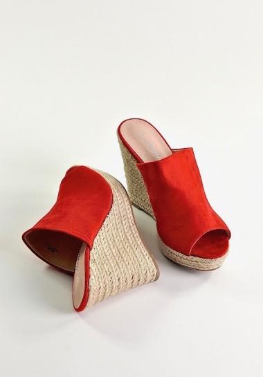 Czerwone damskie klapki na...