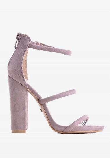 Zamszowe sandały damskie na...