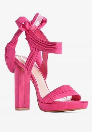 Różowe sandały damskie...
