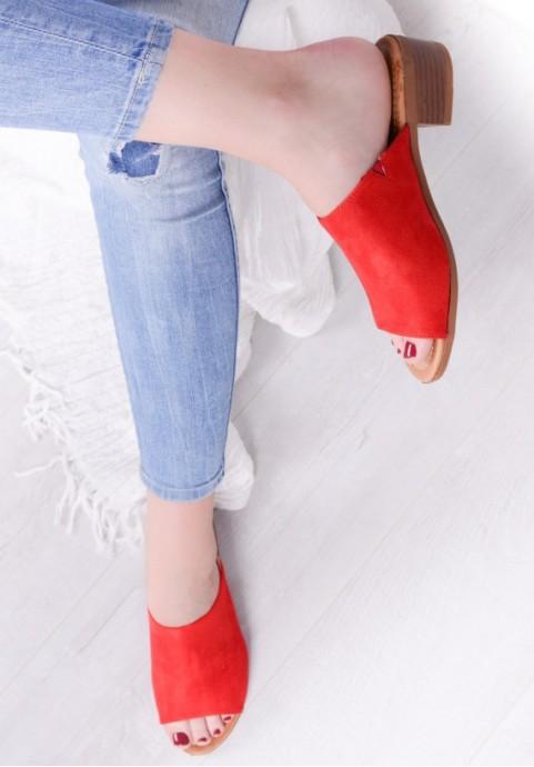 Czerwone klapki damskie