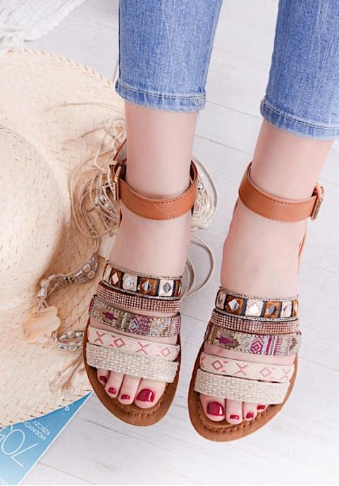 Sandałki zapinane w kostce z cyrkoniami