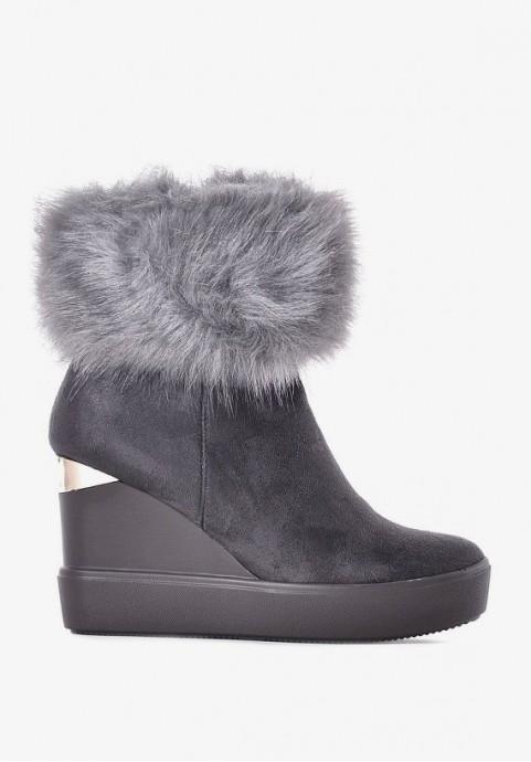 Stylowe szare botki na koturnie z zamszu zimowe buty