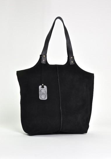 Czarna klasyczna torebka...