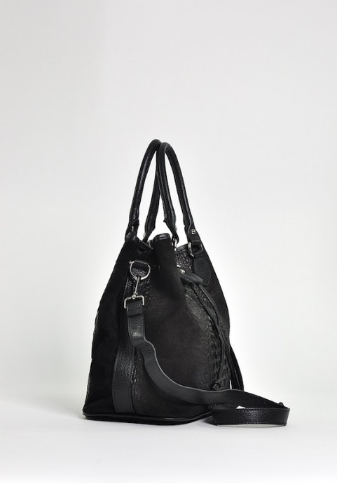 Czarna skórzana torebka damska na ramię