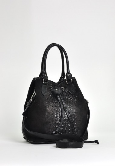 Czarna skórzana torebka...