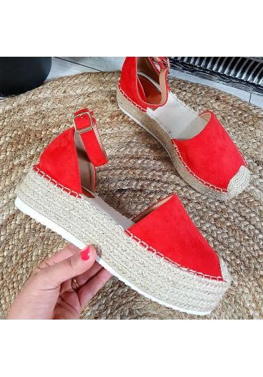 Czerwone zamszowe sandały...