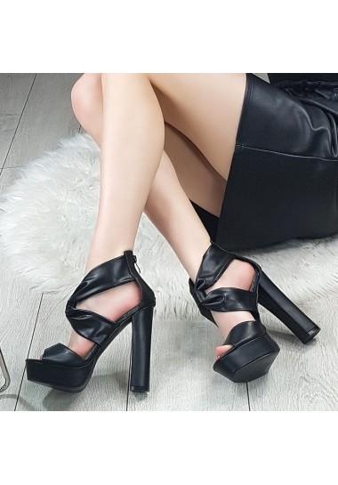 Czarne wysokie sandały na...