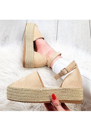 Beżowe zamszowe sandały na platformie