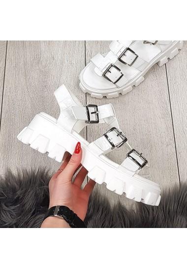 Białe sandały na traperze