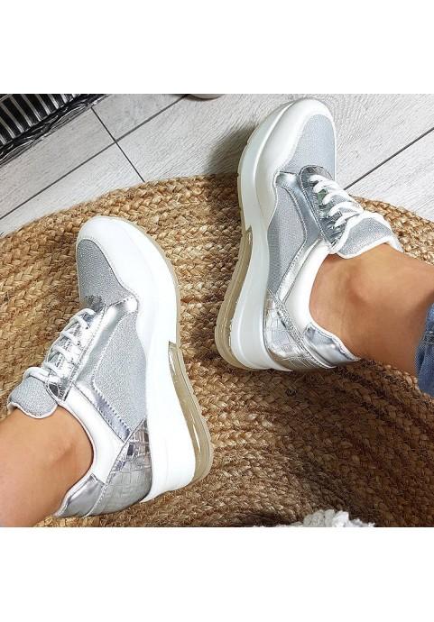 Białe błyszczące adidasy na koturnie