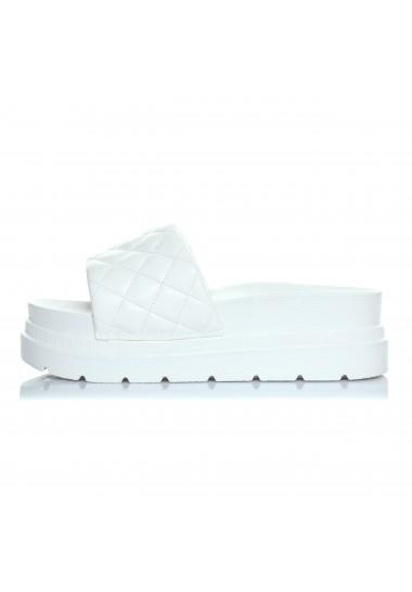 Białe pikowane wygodne klapki