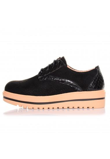 czarne sznurowane botki