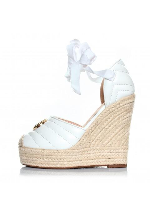 białe sandały na koturnie - espadryle