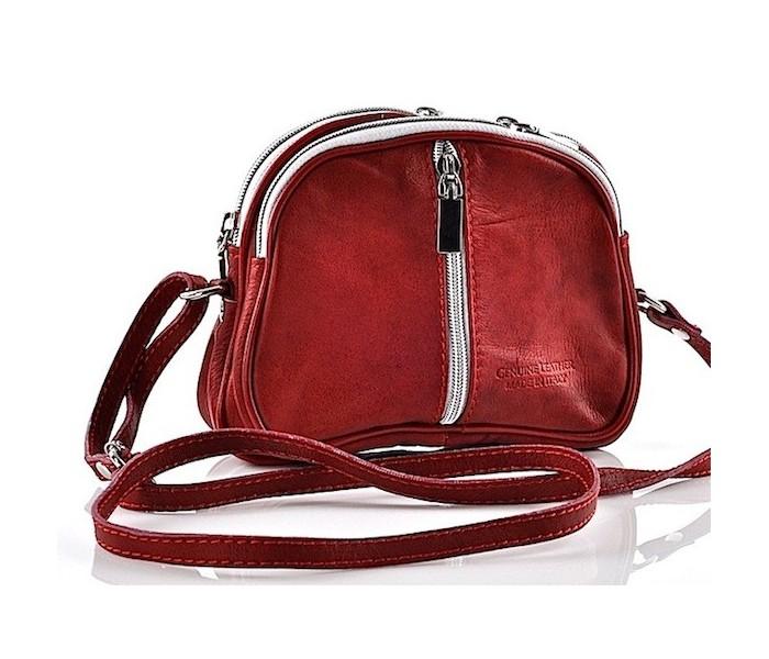 bf7375b2f8e77 Czerwona torebka skórzana listonoszka mała