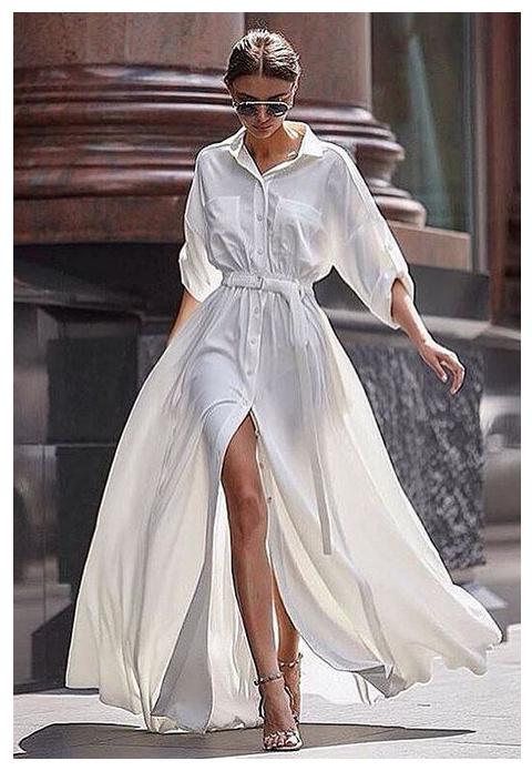 b3aa5493ca8c5 Duży wkład w rozsławienie tego obuwia ma słynny Salvatore Ferragamo, który  świat mody zachwycił w roku 1938 swoją kreacją jaką były złote sandały na  ...