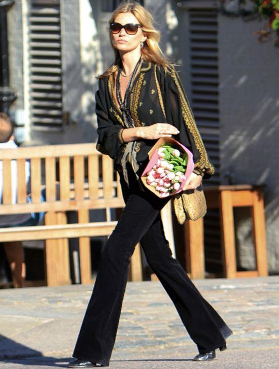 Modne stylizacje na wiosnę. Lekcja stylu od Kate Moss.